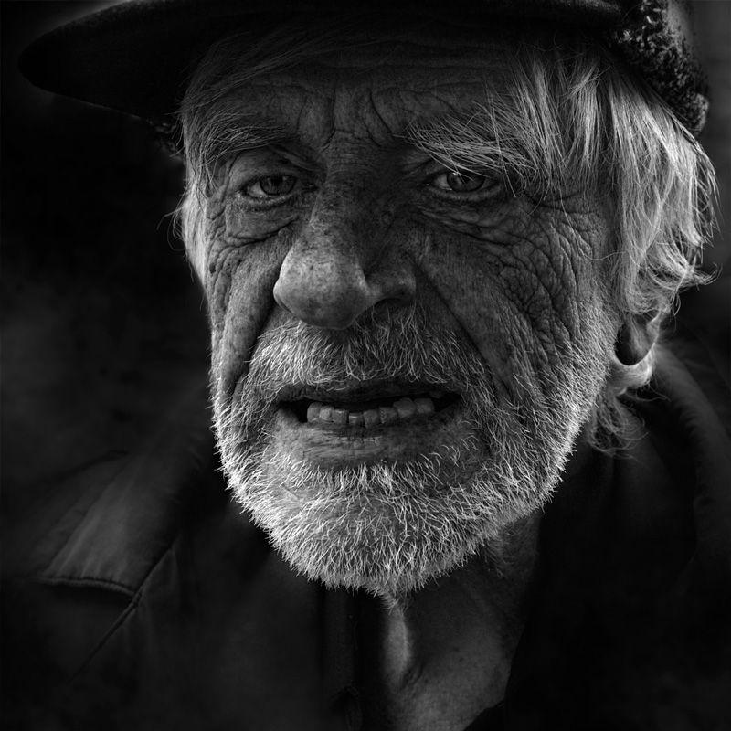 старик, который всегда куда-то торопится улица город лица портрет street photography люди Санкт-Петербург