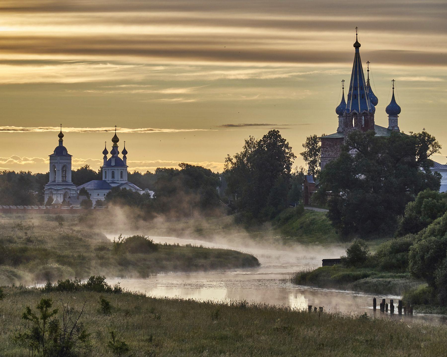 Мистика раннего утра в Дунилово дунилово река Теза утро туман лето монастырь