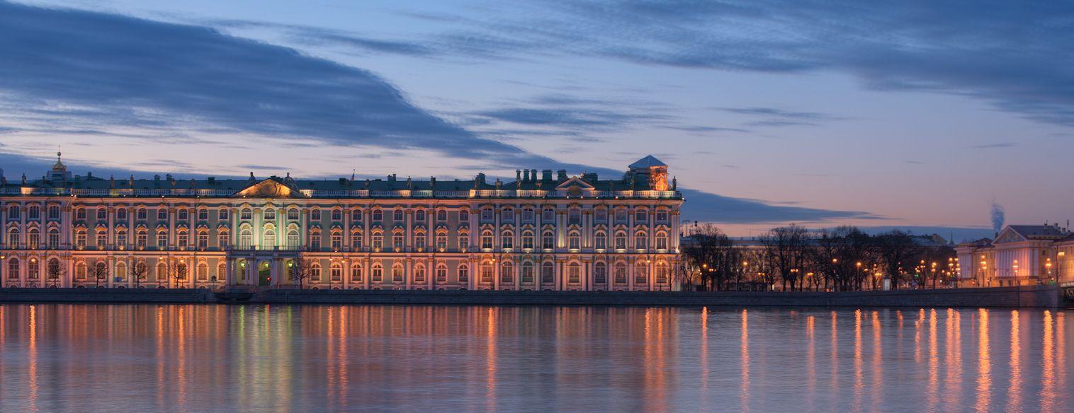 Evocative faint illumination Petersburg