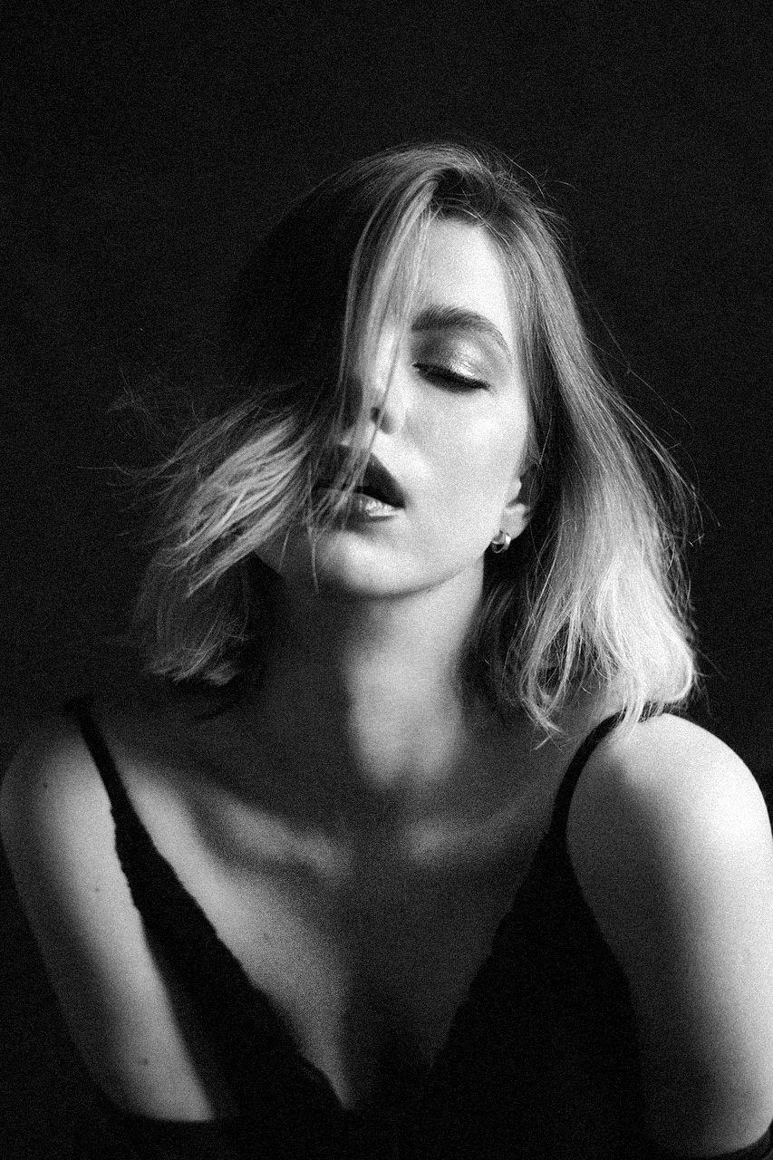 Чувства портрет девушка чб чувства настроение