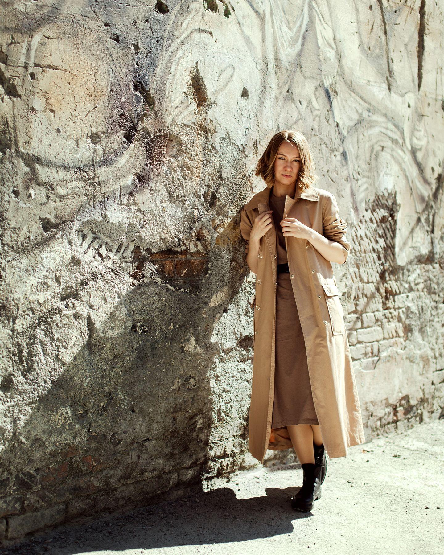 Alexandra портрет стена текстура девушка 50мм