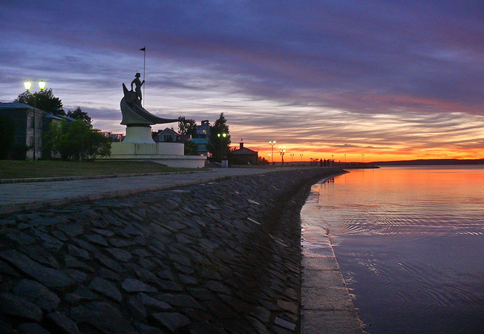 Онего Карелия Петрозаводск Онежское озеро набережная Онего