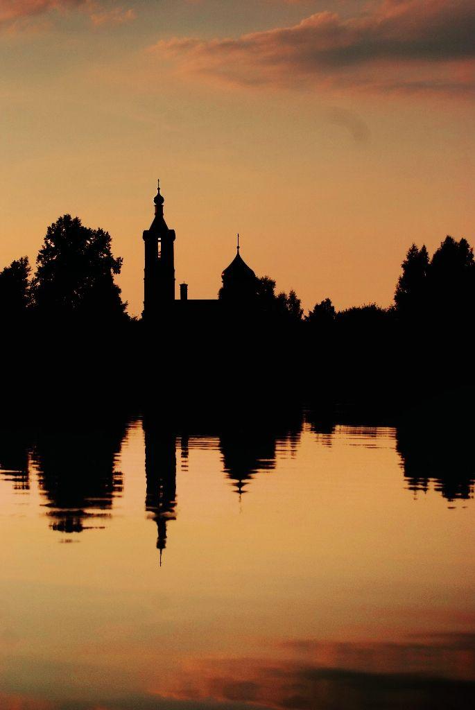 Старообрядческая церковь. Селезнёво. закат озеро церковь