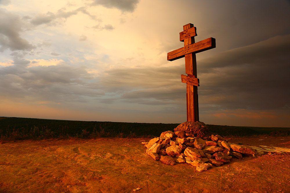 вот этот крест: photosight.ru/photos/7154729/ поближе