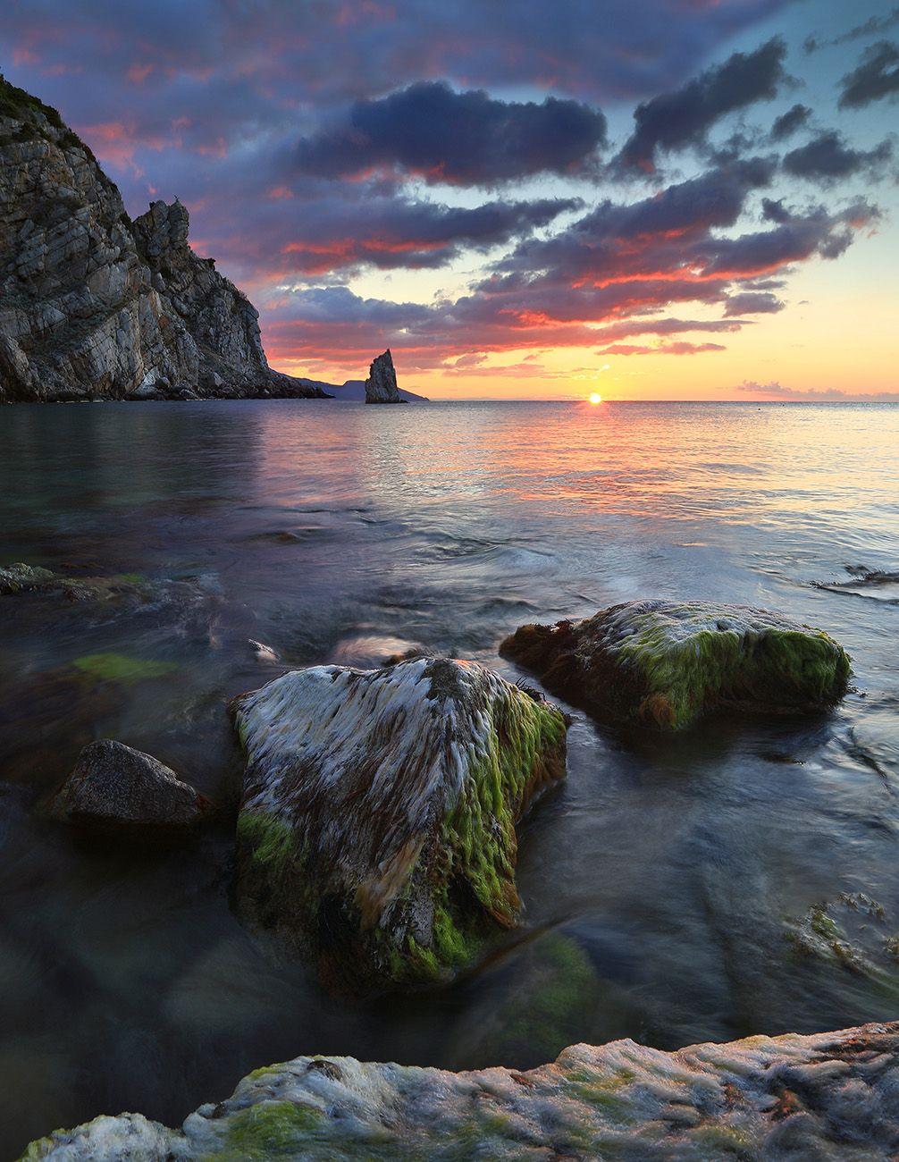 Скала Парус Крым Ялта Ласточкино гнездо Скала Парус фотограф море пляж волна пейзажи Крыма