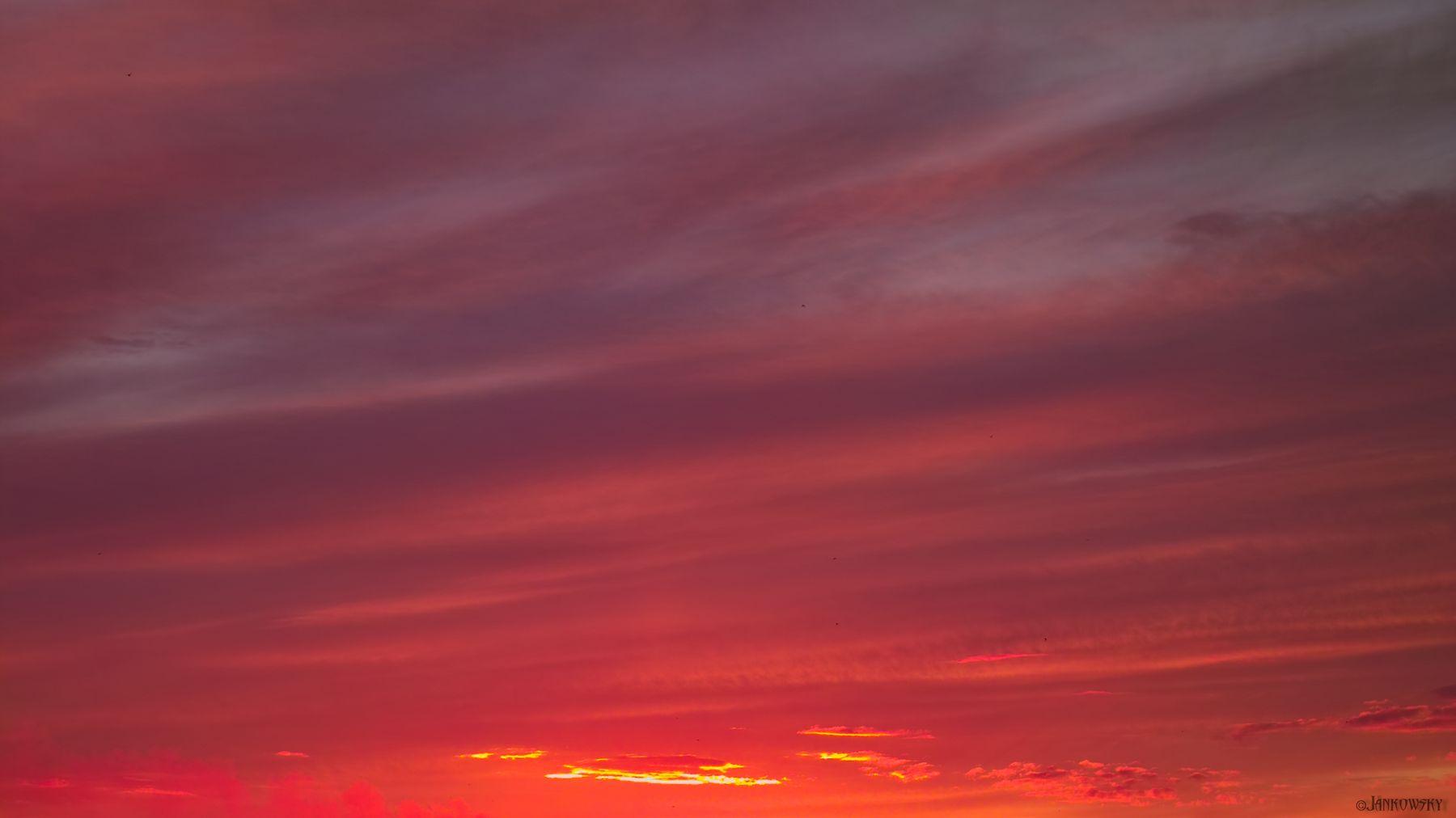 Sigma SD10 Foveon-безумие омского неба  10.06.21 Sigma SD10 Foveon 50-150mm омск раритет закат рендеринг красный пересвет градиент