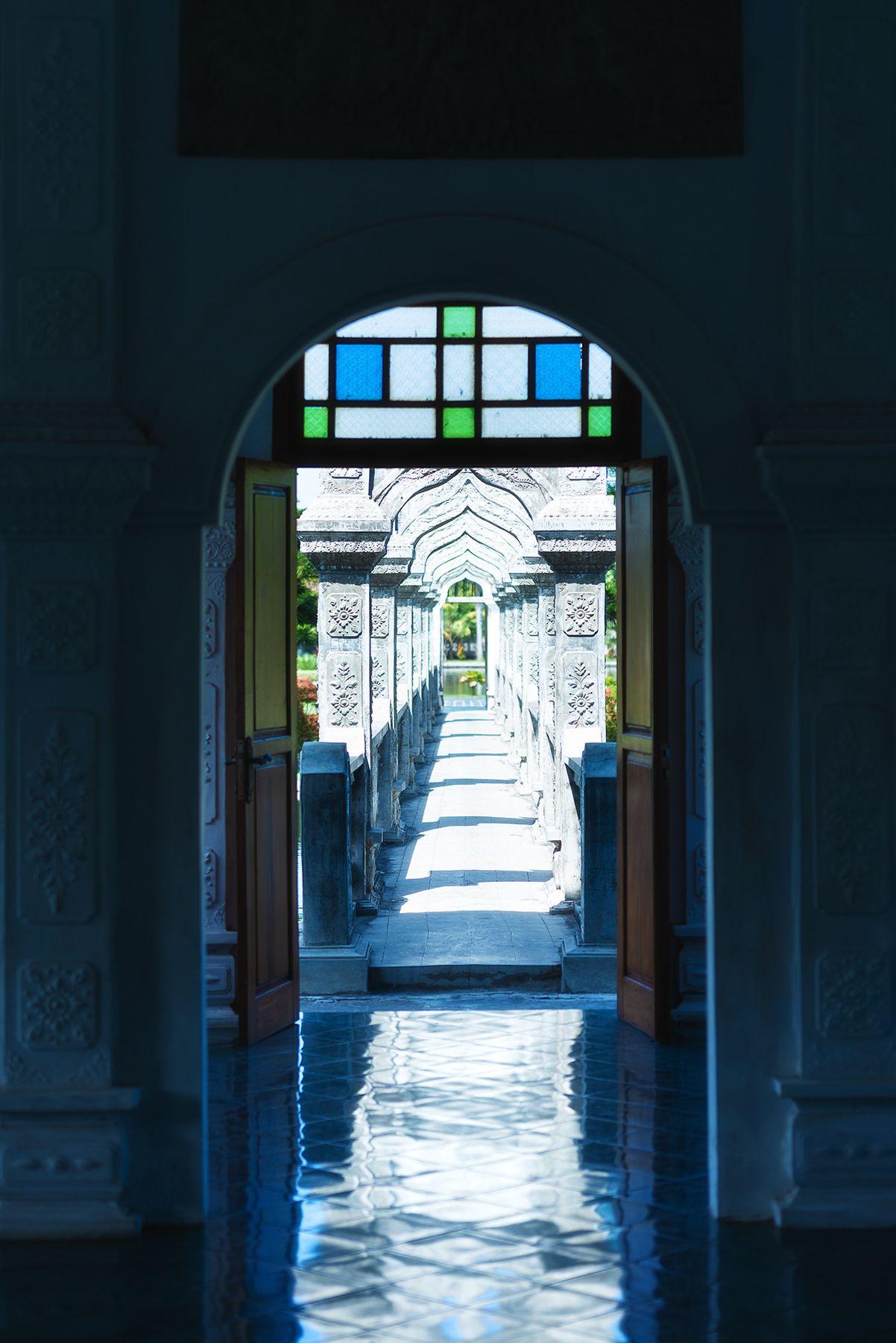 Водный дворец Таман Уджунг, Бали