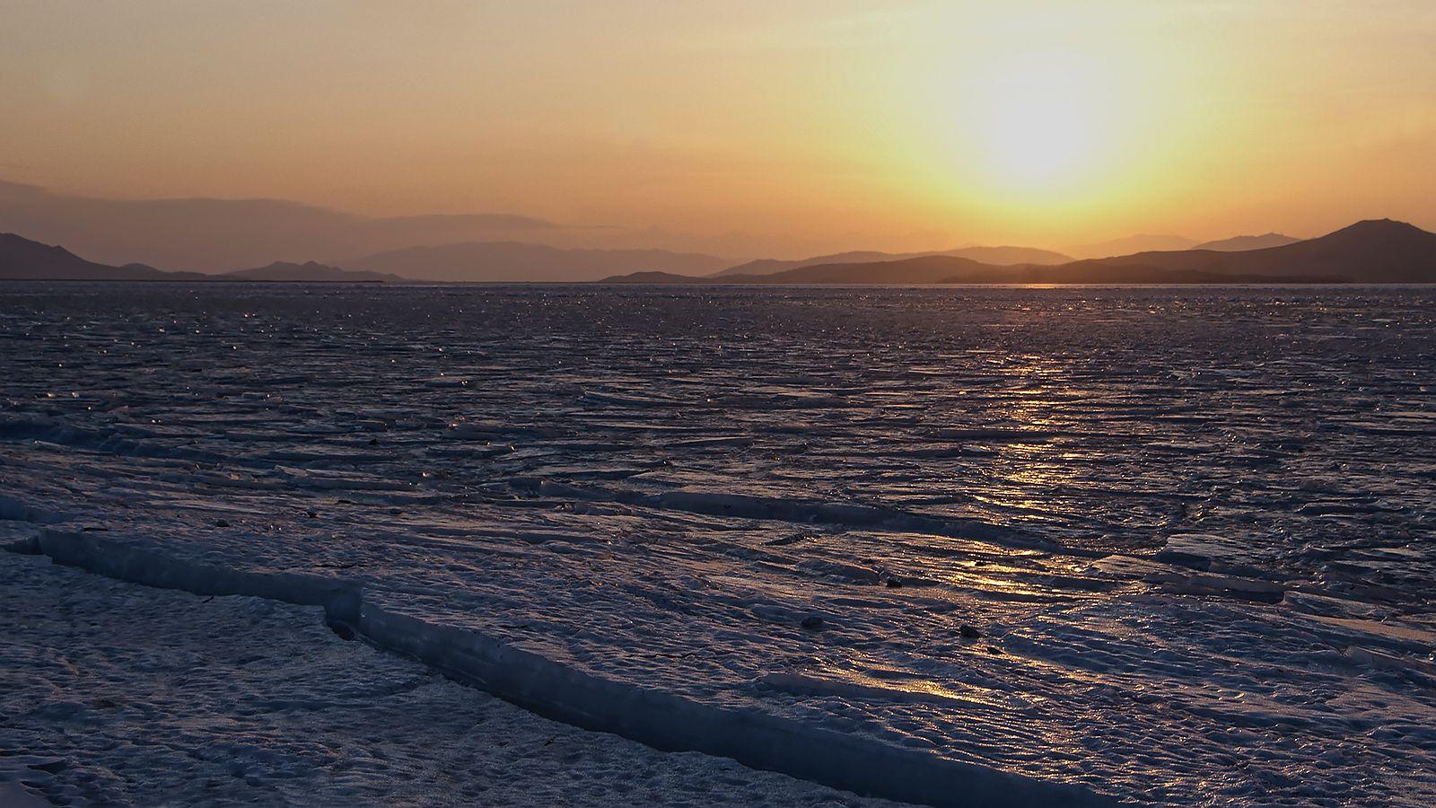 горы подлинные и мнимые в посьетском закате Посьет бухта Экспедиции Китай и Корея фантомные горы