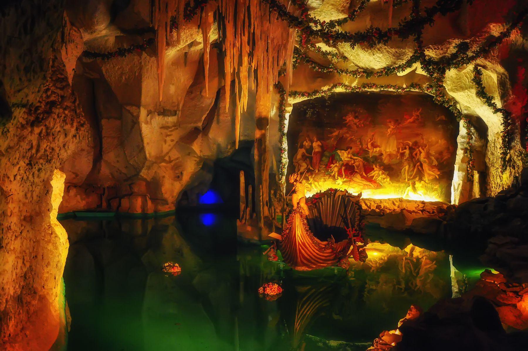 Пещера Тангейзера замок грот Линдерхоф Тангейзер