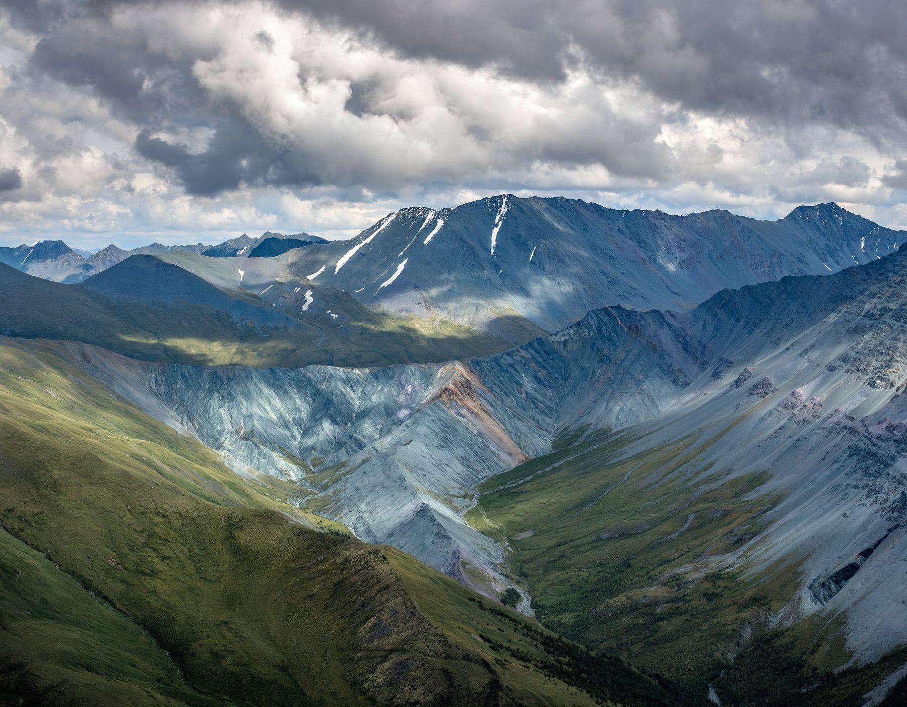 Долина Ярлу. горы алтай горный пейзаж природа россия ник васильев красота перевал кара-тюрек долина ярлу эдельвейсов рерих облака