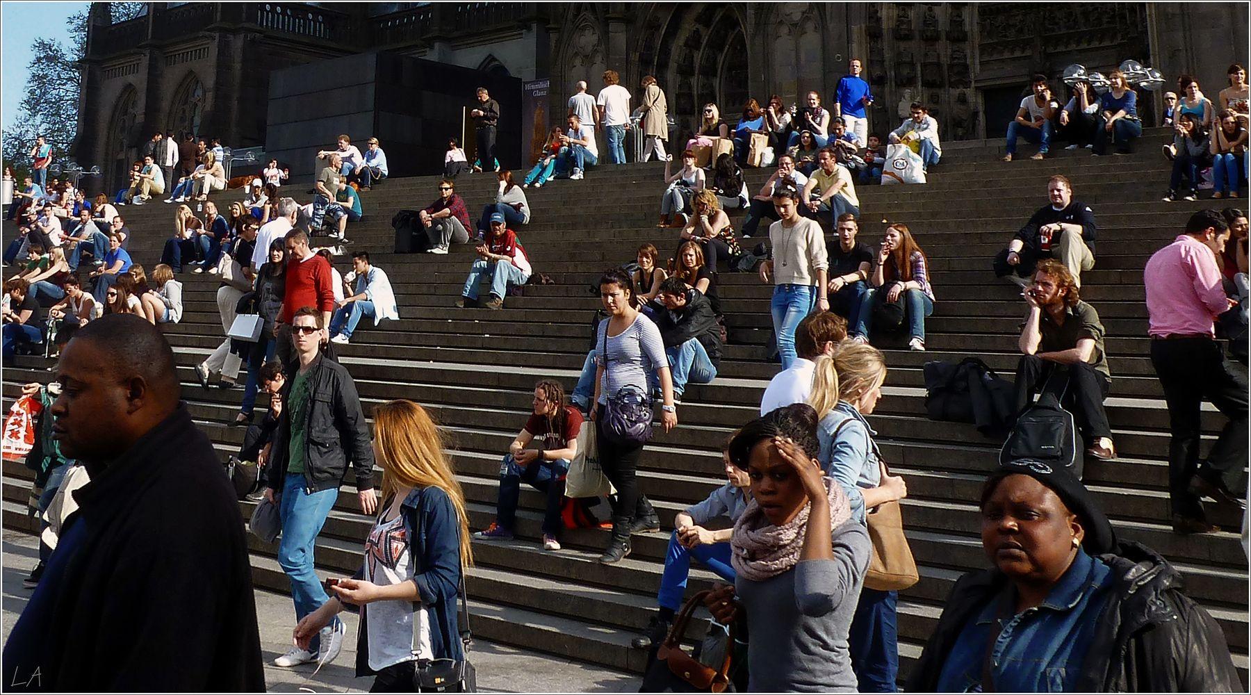 *Беззаботные европейцы прошлых лет* фотография путешествия Европа Германия Кёльн европейцы жанр весна Фото.Сайт Светлана Мамакина Lihgra Adventure