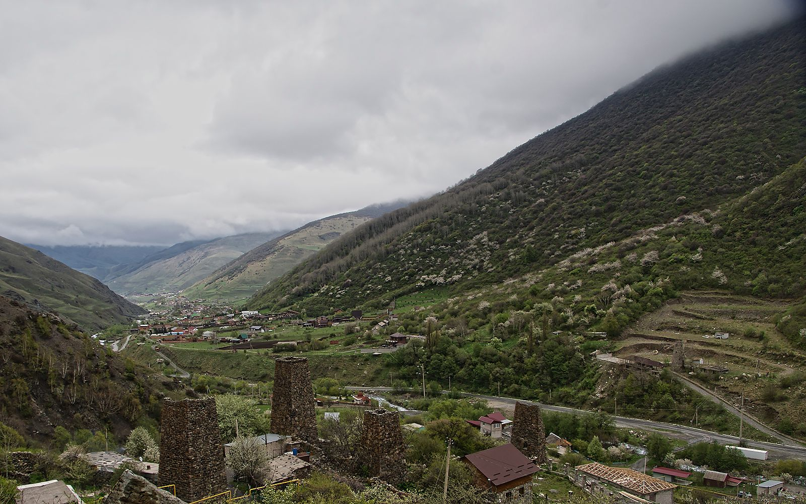 Харисджин Харисджин начало подъема к Архонскому перевалу