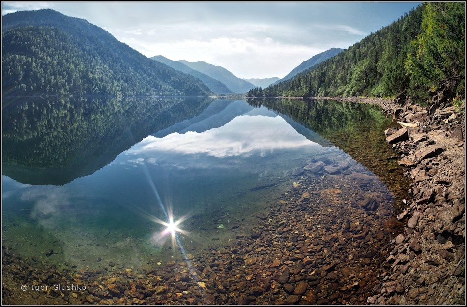По зеркальному краю СоболиноеОзеро озеро зеркало лето ХамарДабан