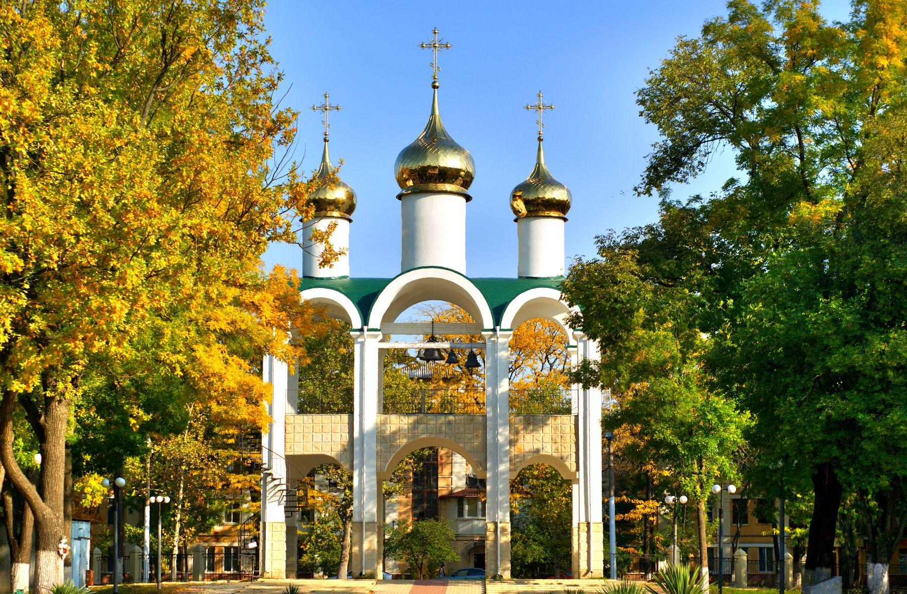 Звонница колокольня парк осень звонница город