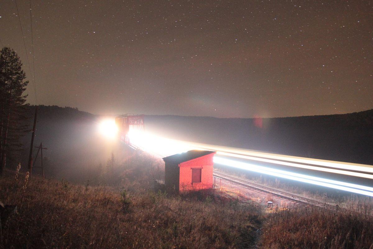 Поезд под звёздами поезд, звёзды, мост