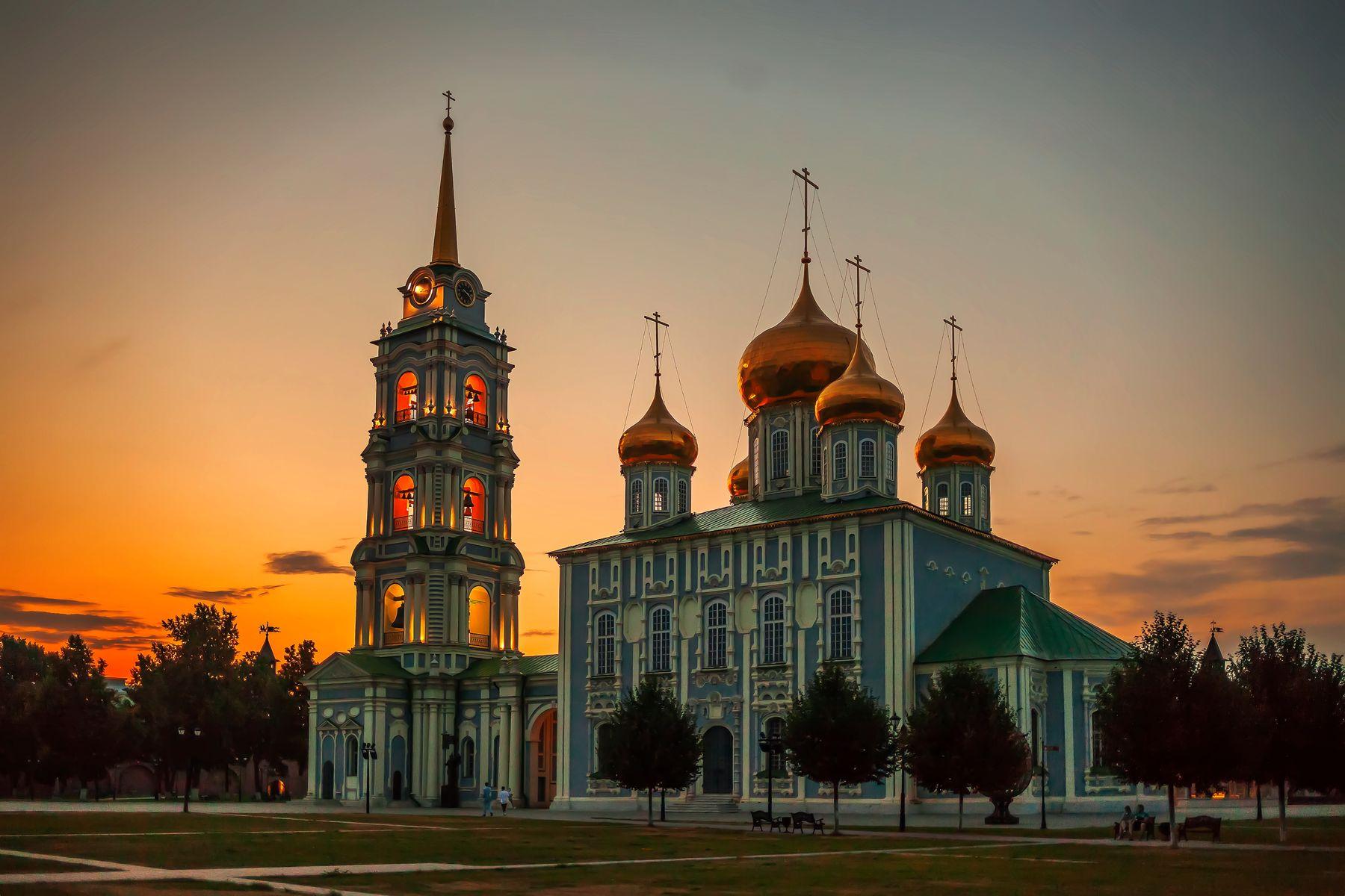 ... вечер в Тульском кремле ...