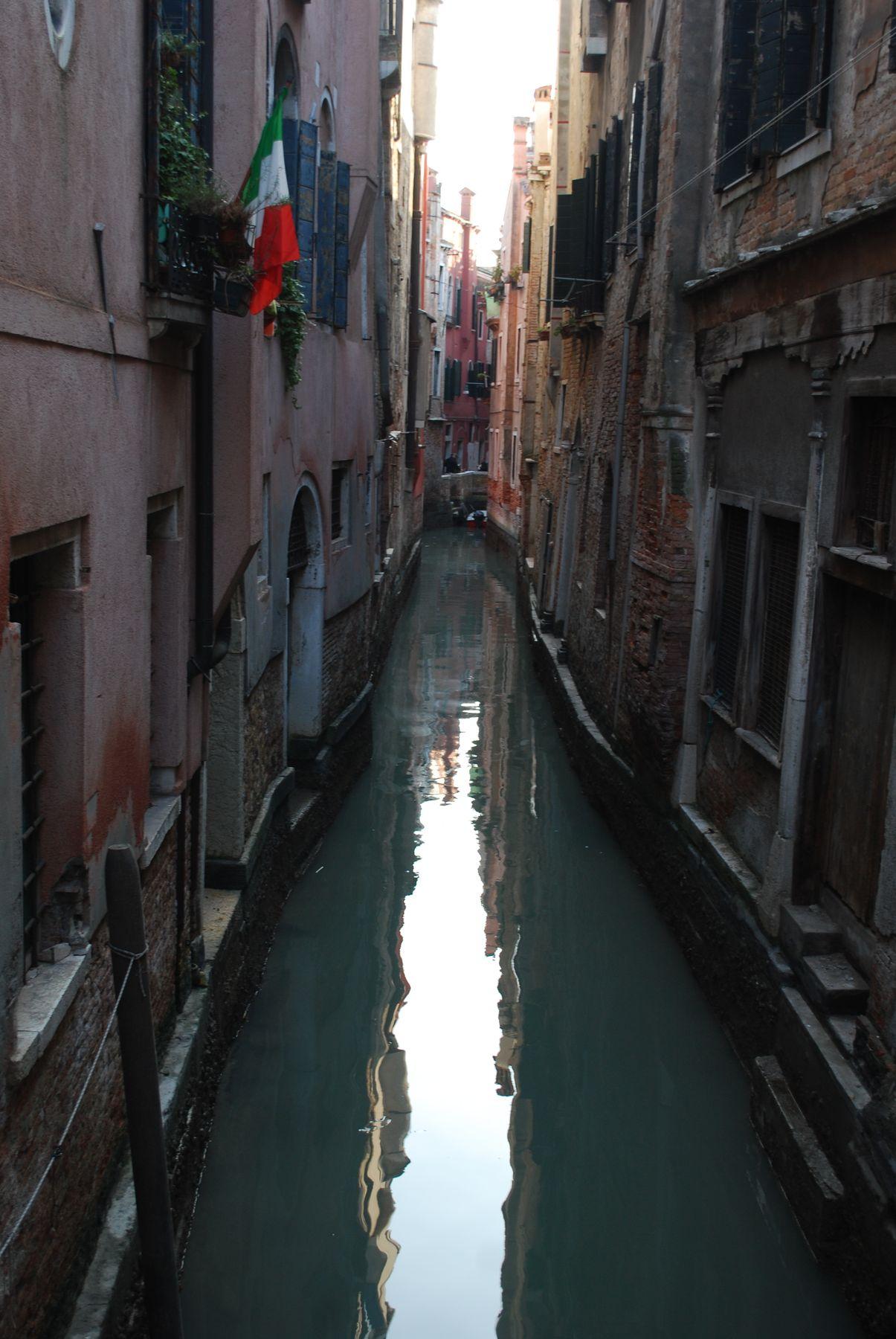 тропа по воде венеция.карнавал.маски.италия.костюмы