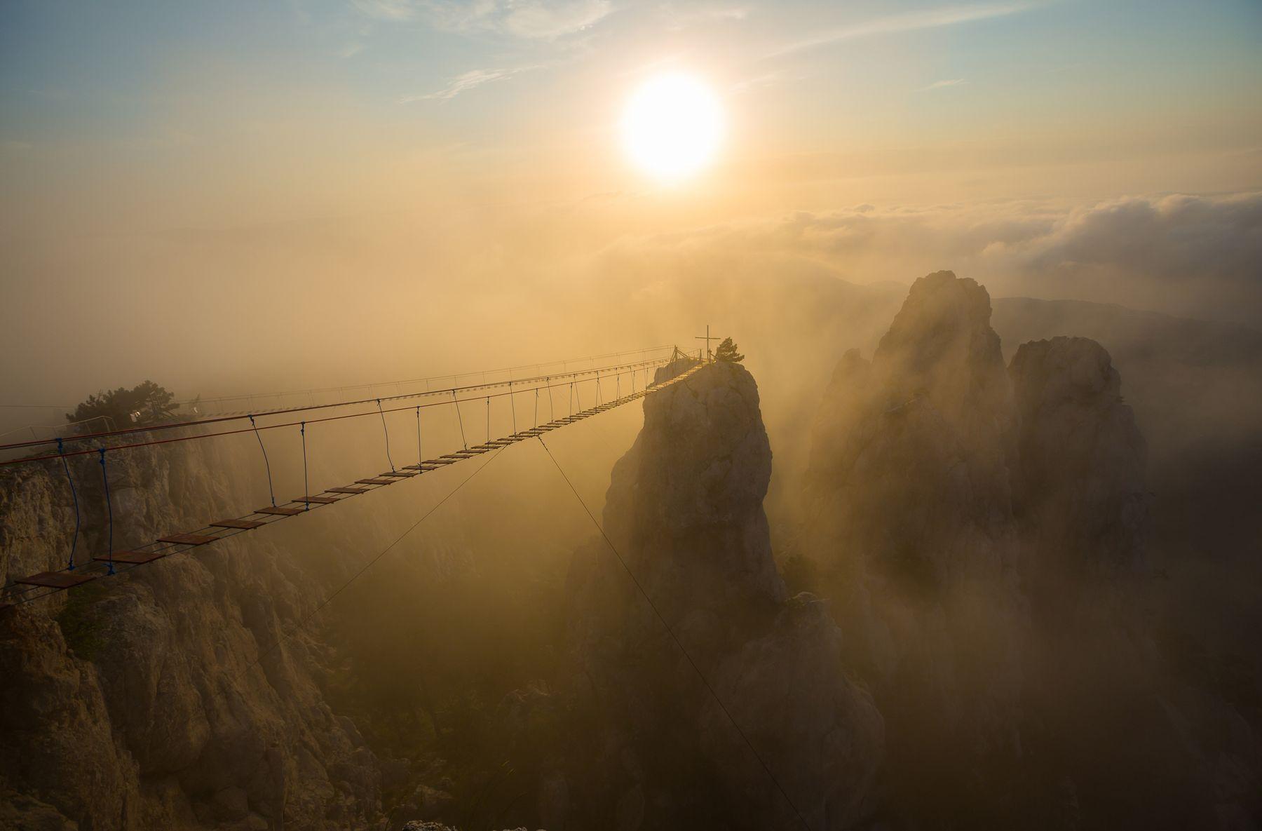 Подвесные мосты на Ай-Петри Ай-Петри Крым Ялта Зубцы Туман на Плато фотограф