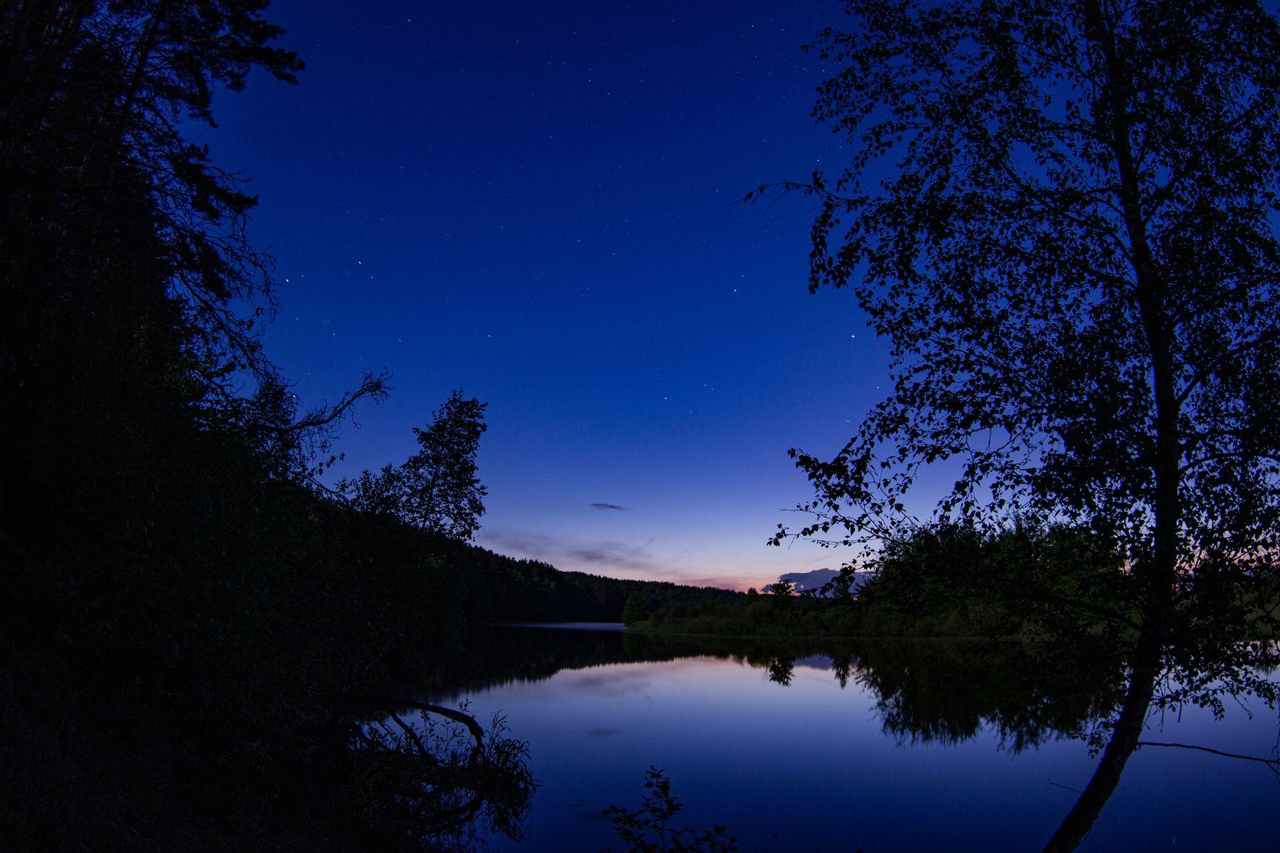 Ночью у реки ночь река небо дерево сумерки