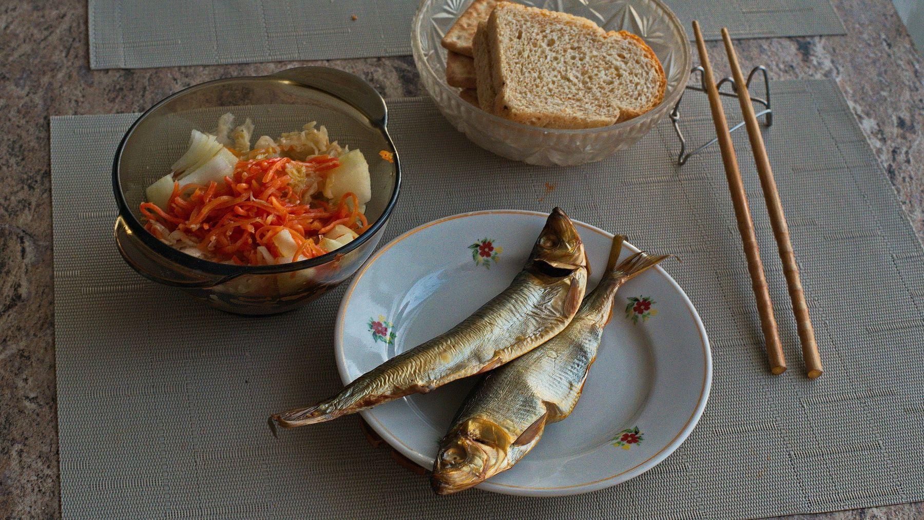 Салака на ужин. still life Herring dinner Vladimir Pochtarev нарюрморт Салака ужин