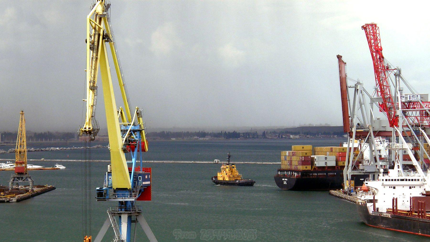 Акватория 1207 море порт волнолом буксир контейнеровоз краны