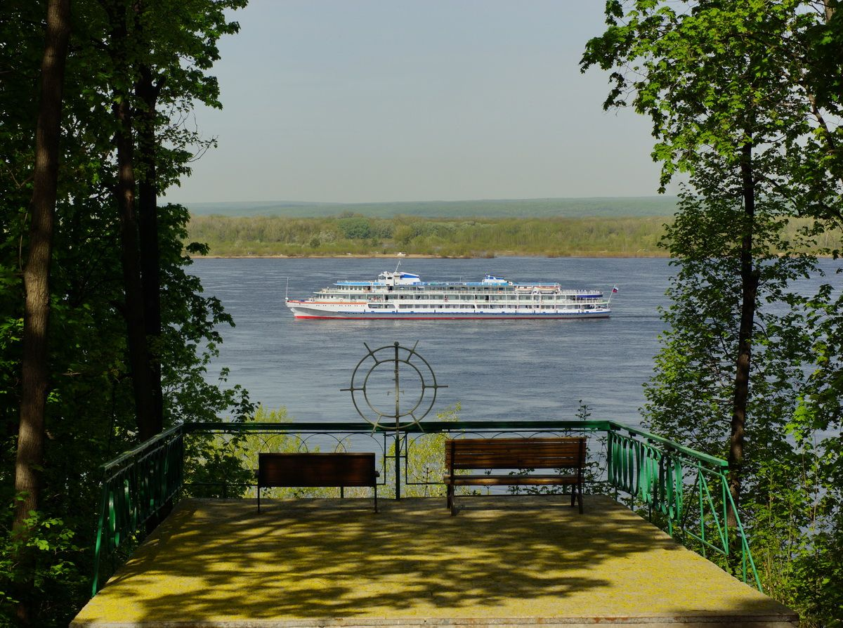 "по реке плывёт пароход Самара военный санаторий ""Волга"" май 2021"