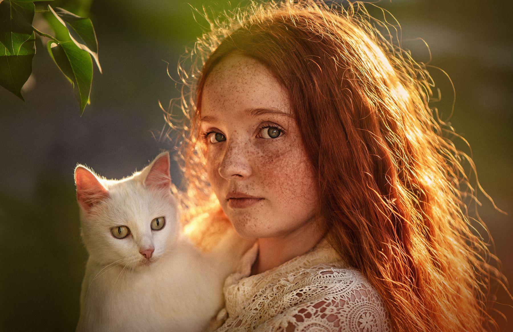 Девушка с кошкой Девушка кошка портрет рыжий лето закат
