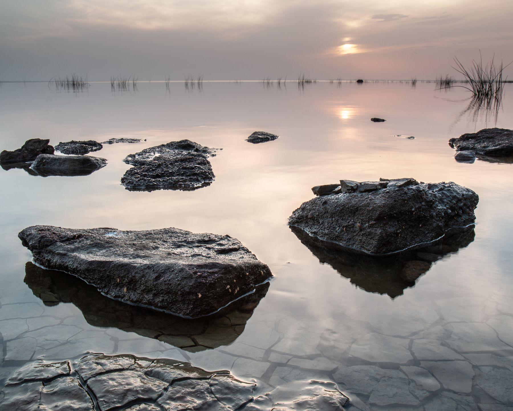 Sunrise on the bay Залив восход камни отлив природа