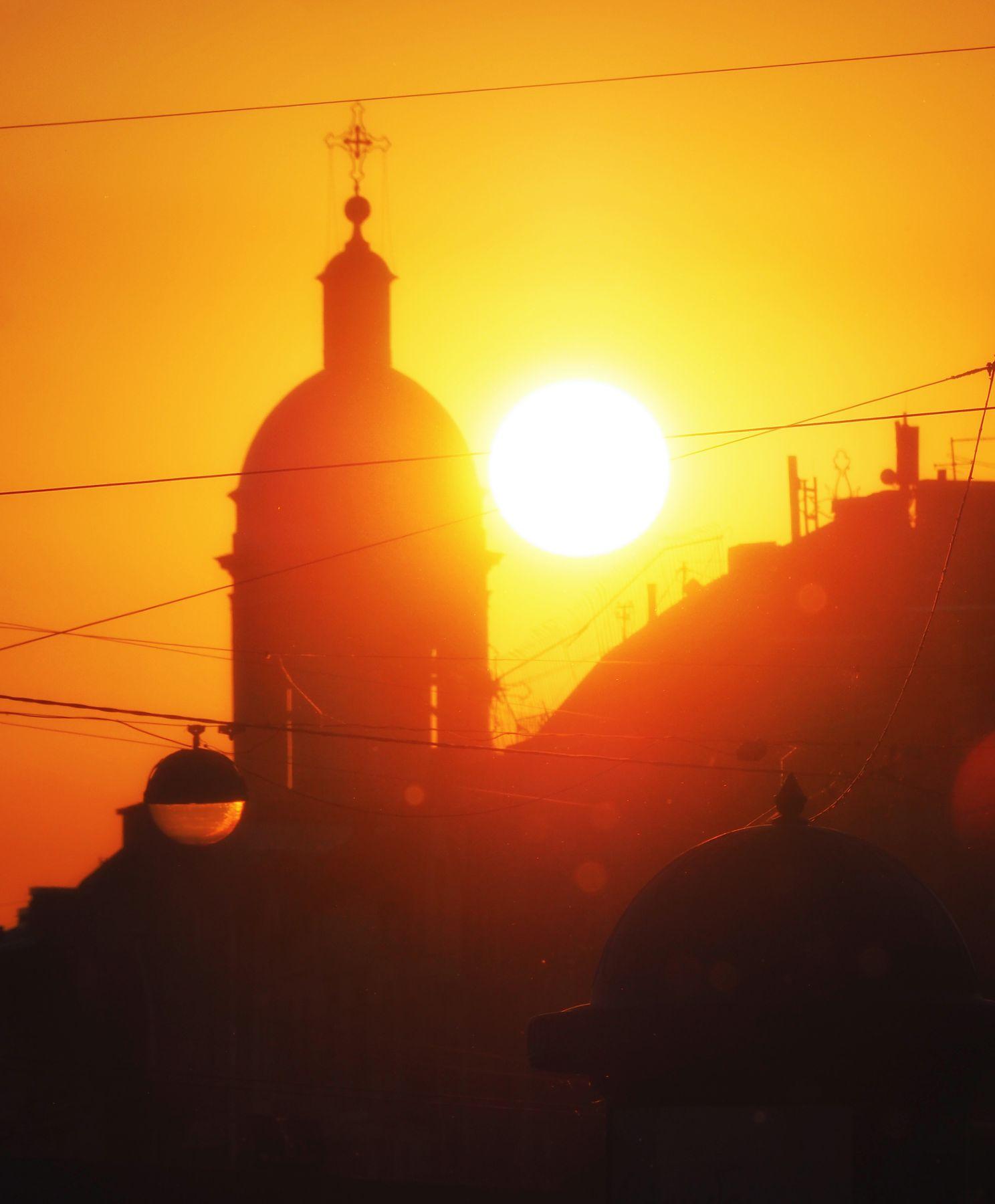 Вечер с тополиным пухом Санкт-Петербург закат