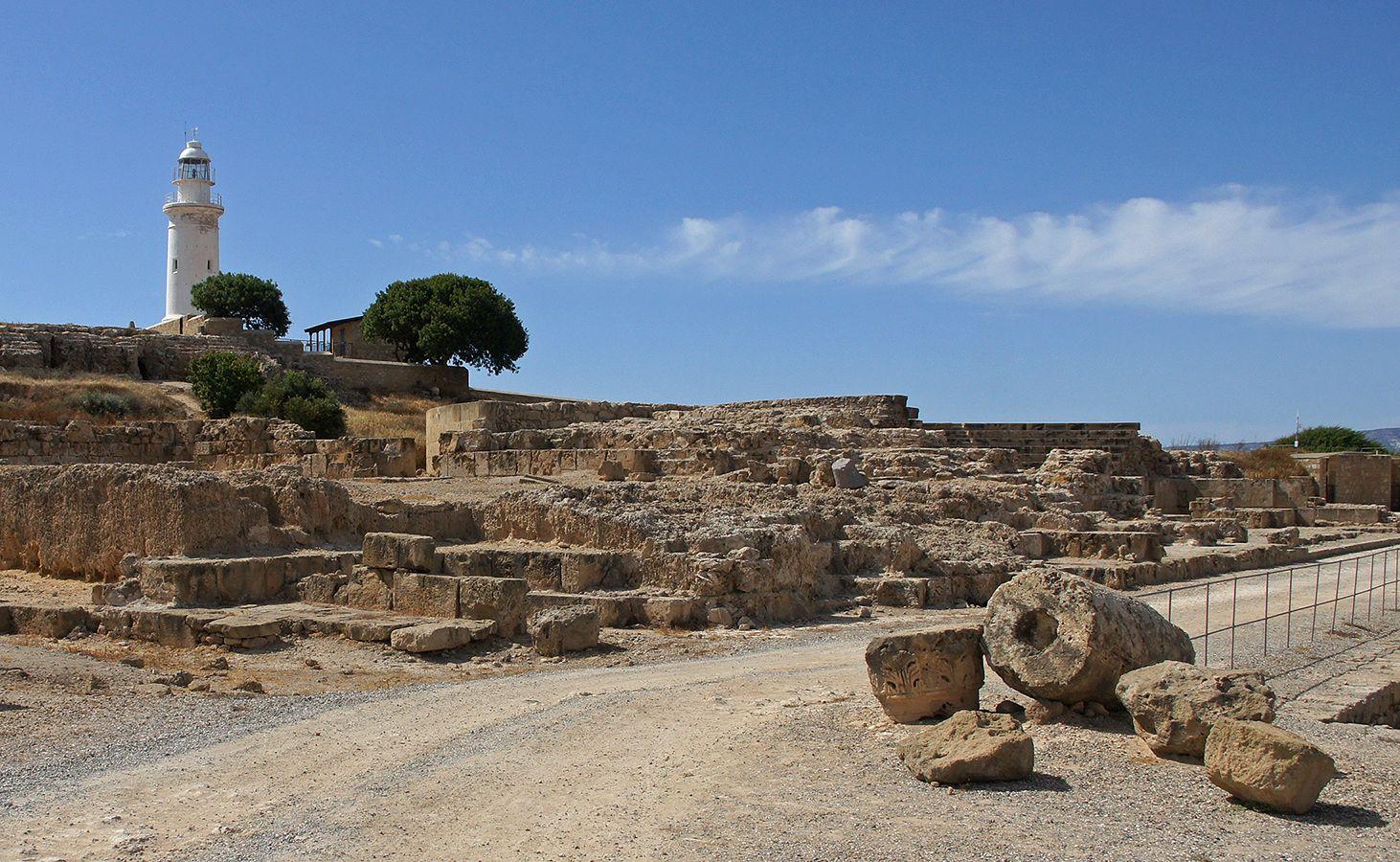 Взгляд в прошлое Кипр Пафос развалины маяк