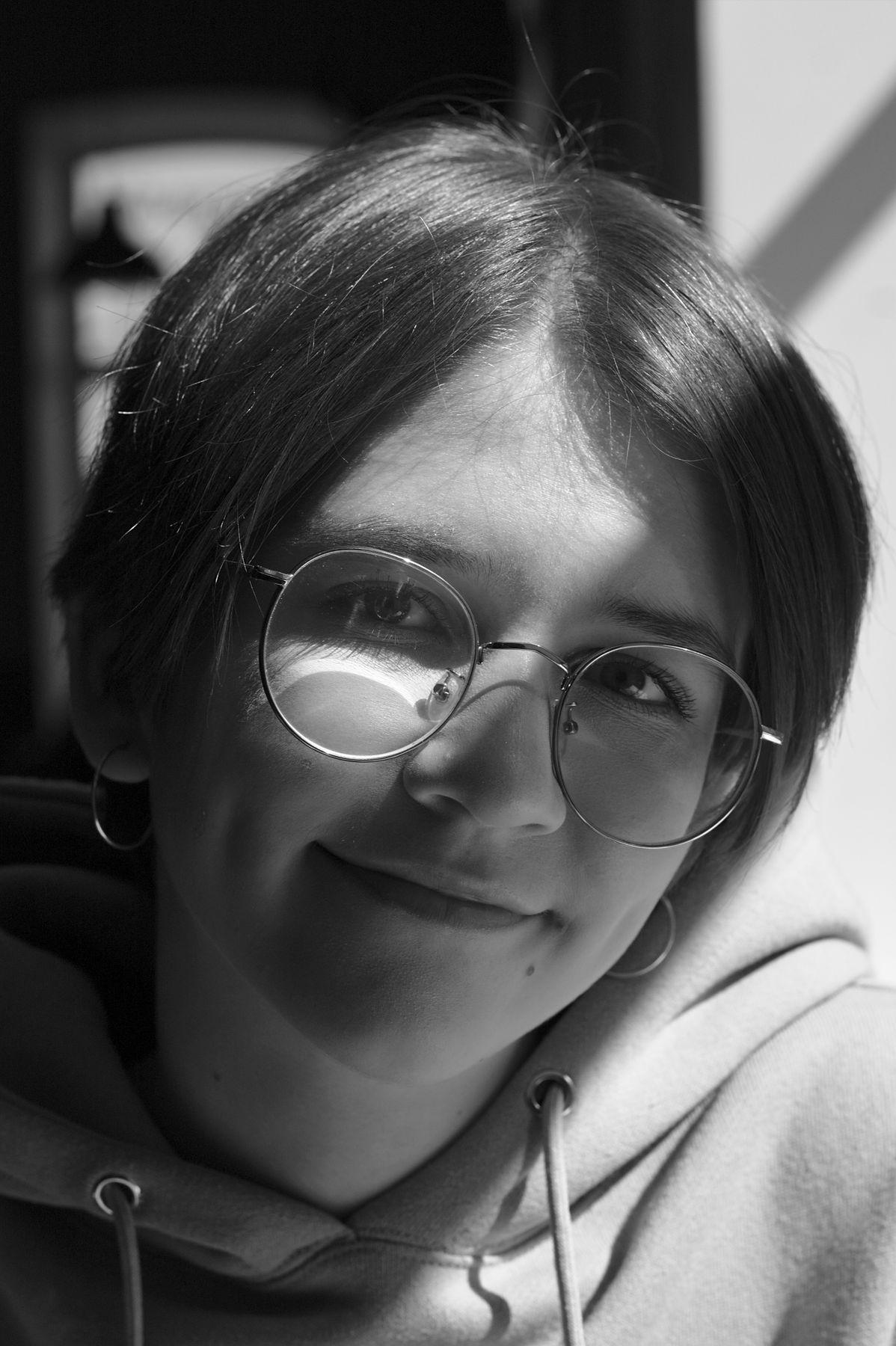 17.04.21. Портрет (2). девушка юность портрет фотография чёрно белая