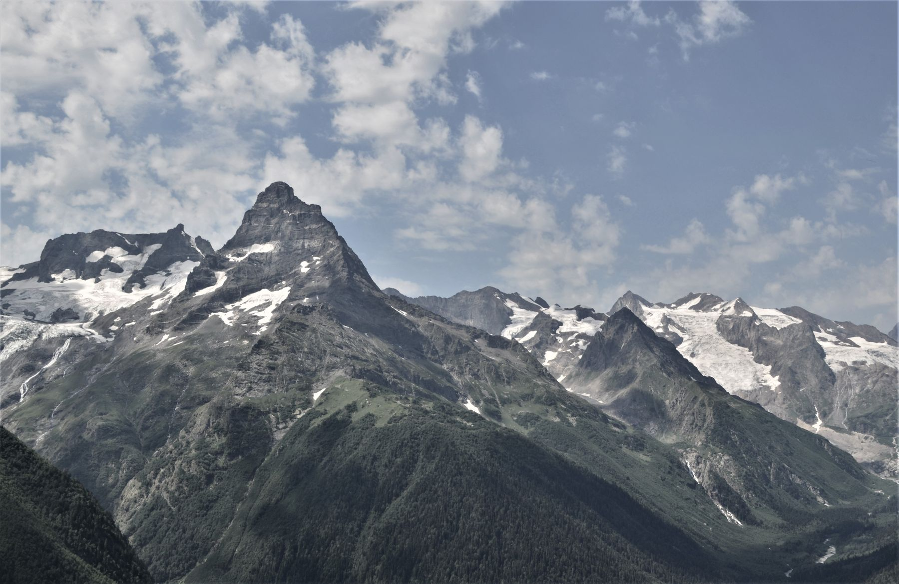Кавказ -далёкая страна... лето горы Кавказ Домбай путешествие вершины красота небо