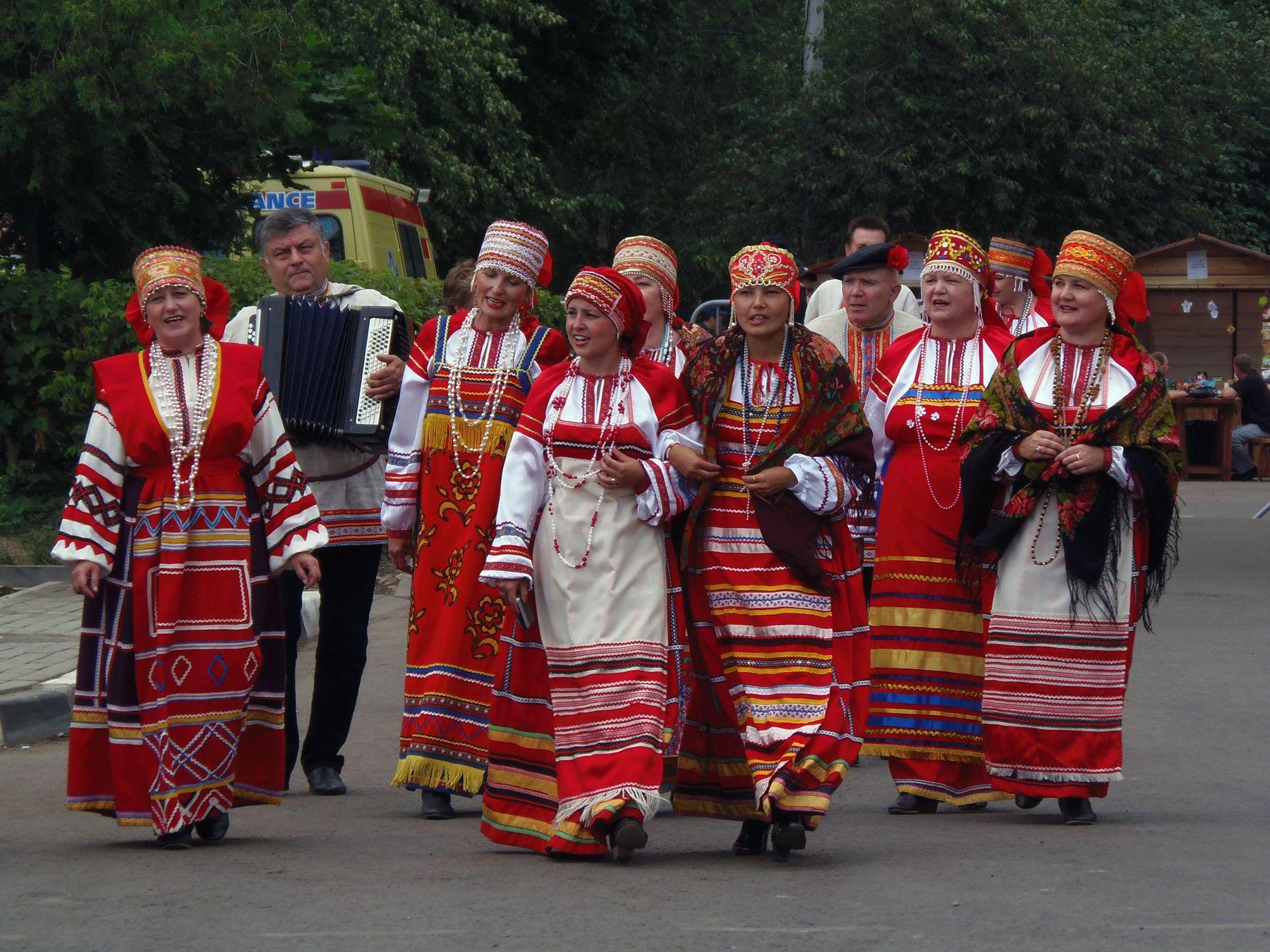 Вдоль, да по улице... Сергиев Посад праздник народная песня