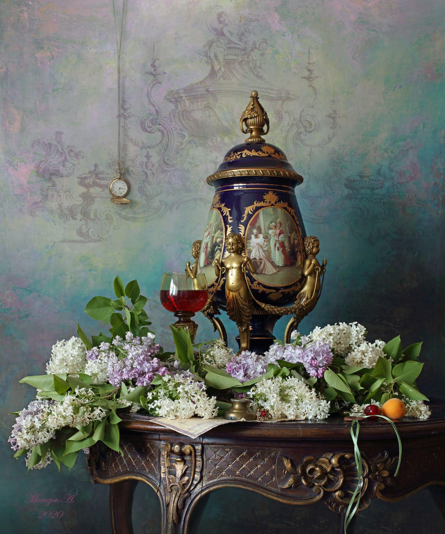 Натюрморт с цветами и вазой цветы сирень ваза