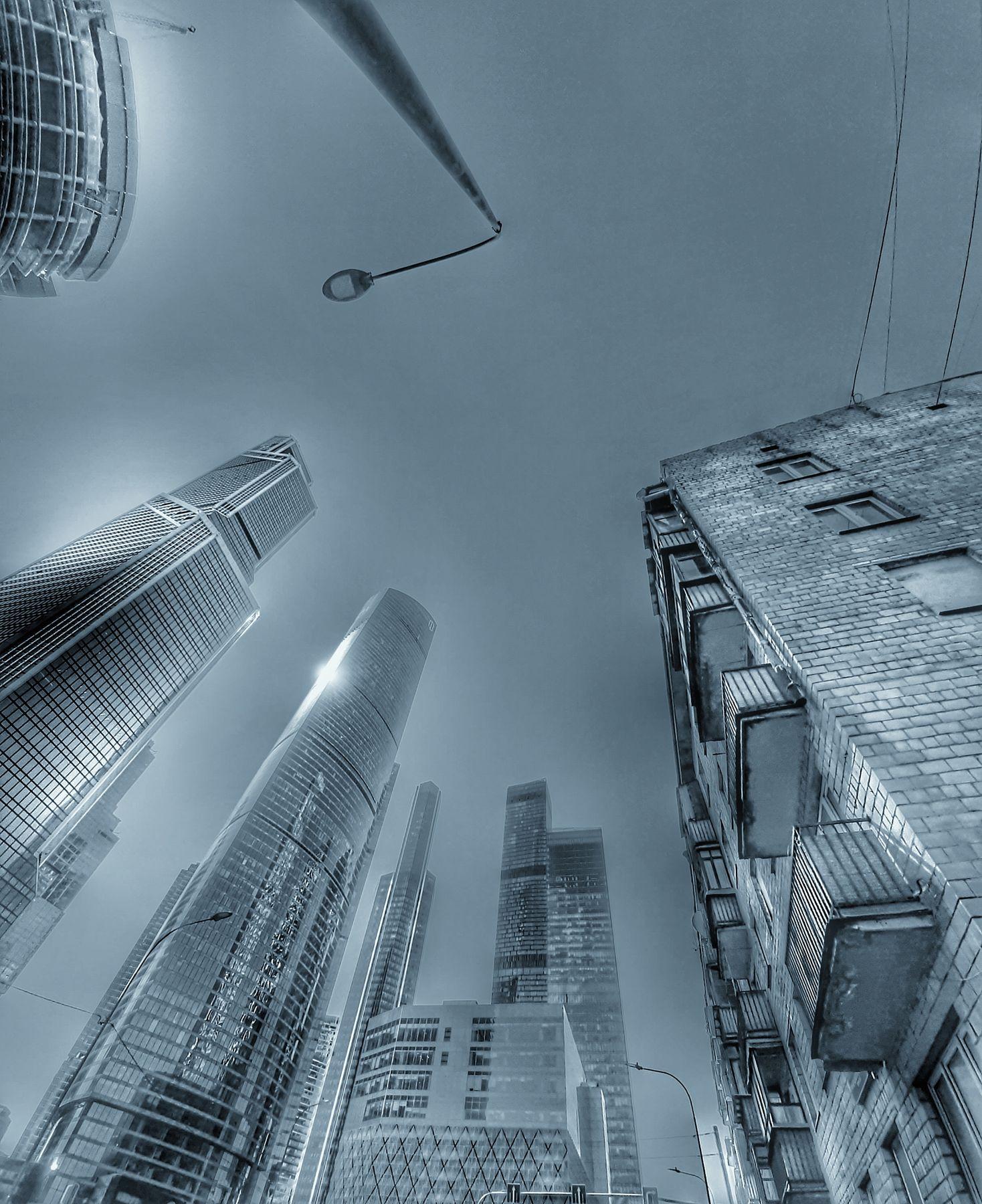 Вид снизу. город архитектура