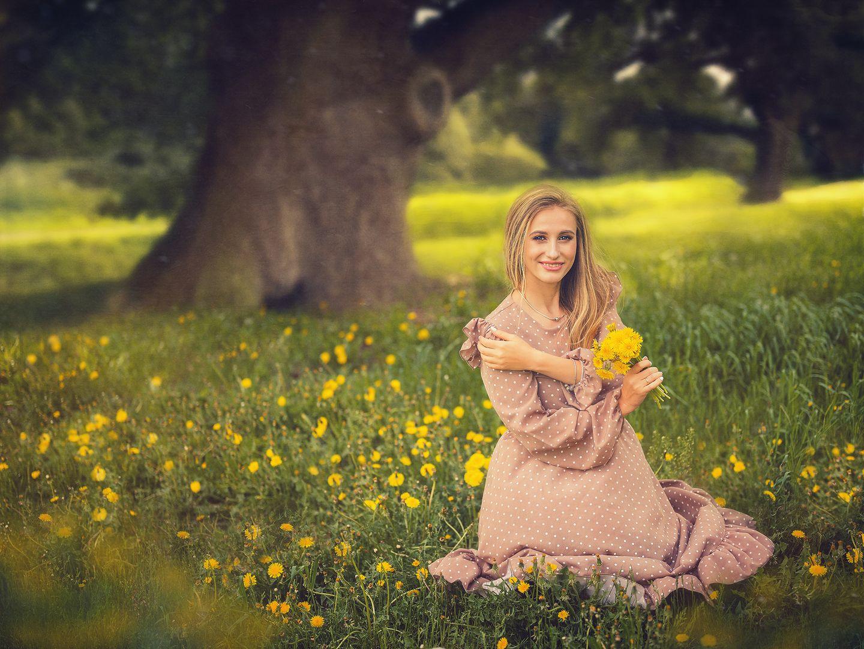 Сказочная долина лес дерево поле природа стилизация картина масло краски лето весна одуванчики