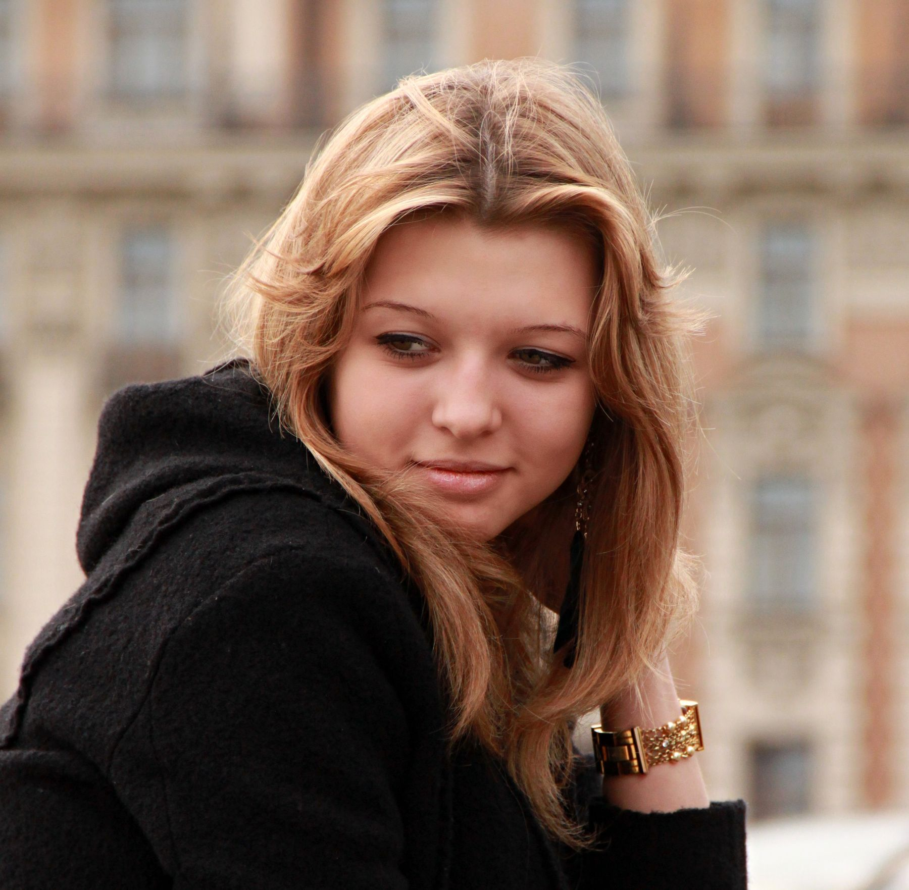 Ожидание люди лица город прохожие уличный портрет стрит девушки