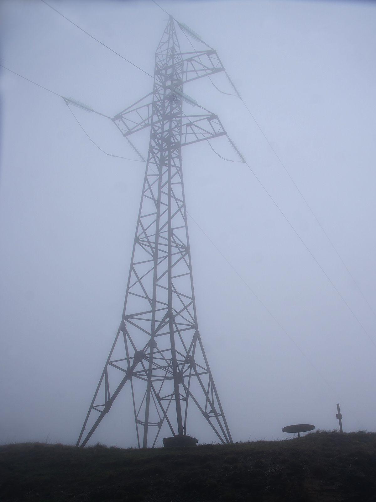наверху Архонский перевал облако