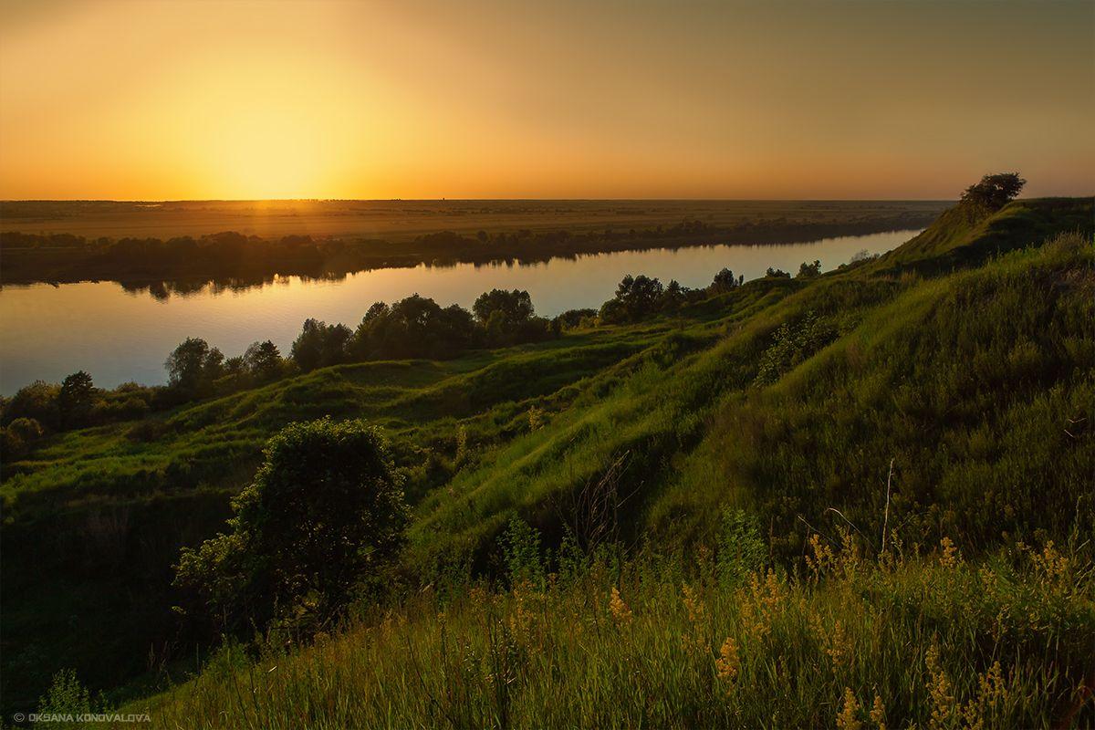 ***Закат на Оке. лето вечер закат река Ока зелень отражение холмы