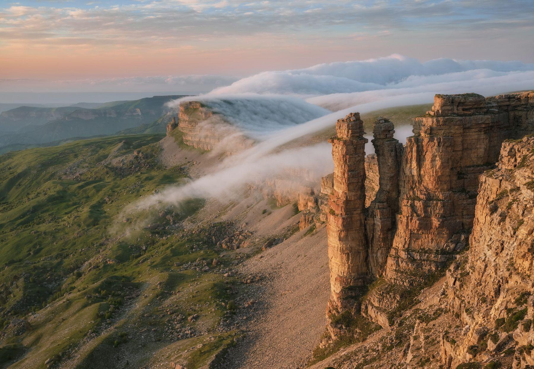 Бермамыт. Скалы Монахи. Северный кавказ карачаево-черкесия бермамыт монахи закат июнь