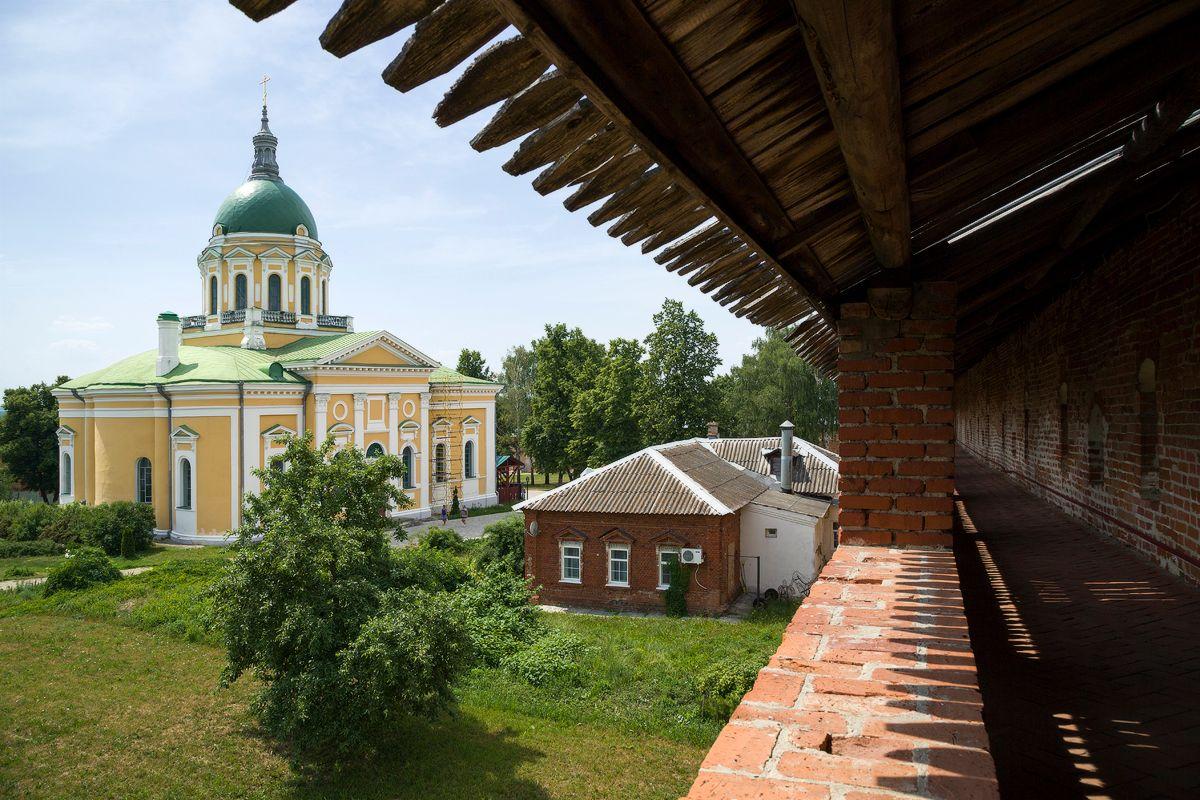 Вид на собор со стен Зарайского кремля зарайск кремль
