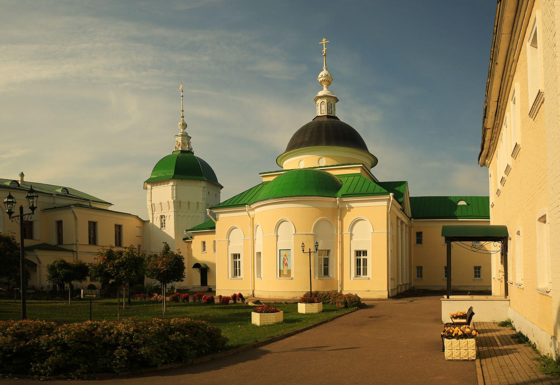 Утро в Пешношском монастыре Пешношский монастырь