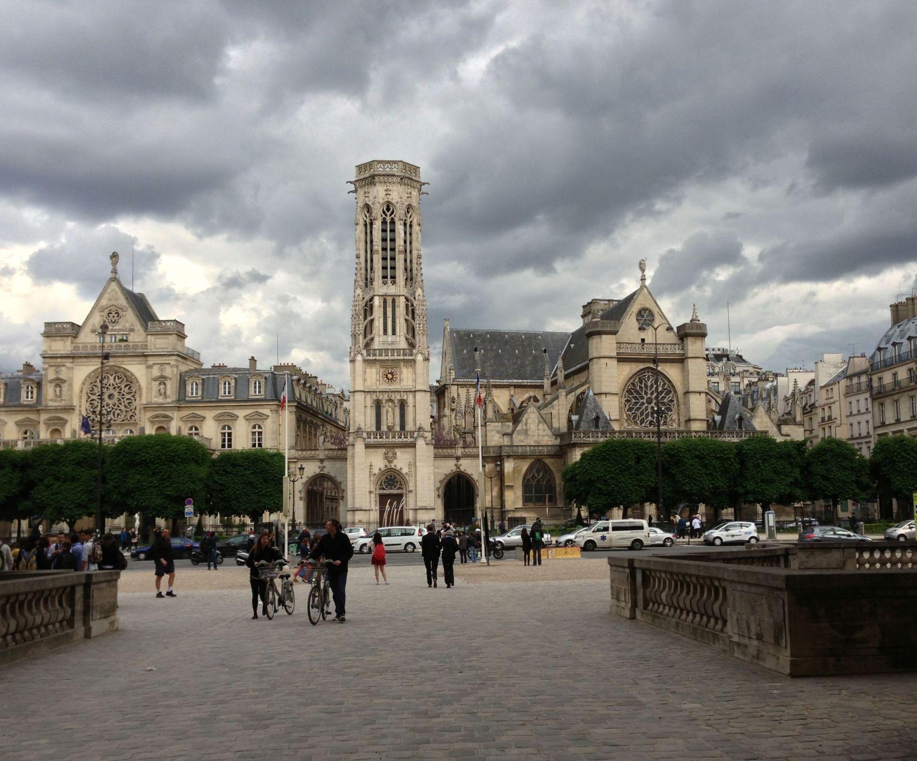 Церковь Сен-Жерме́н-л'Осеруа́ Париж церковь Сен-Жерме н-л Осеруа облака