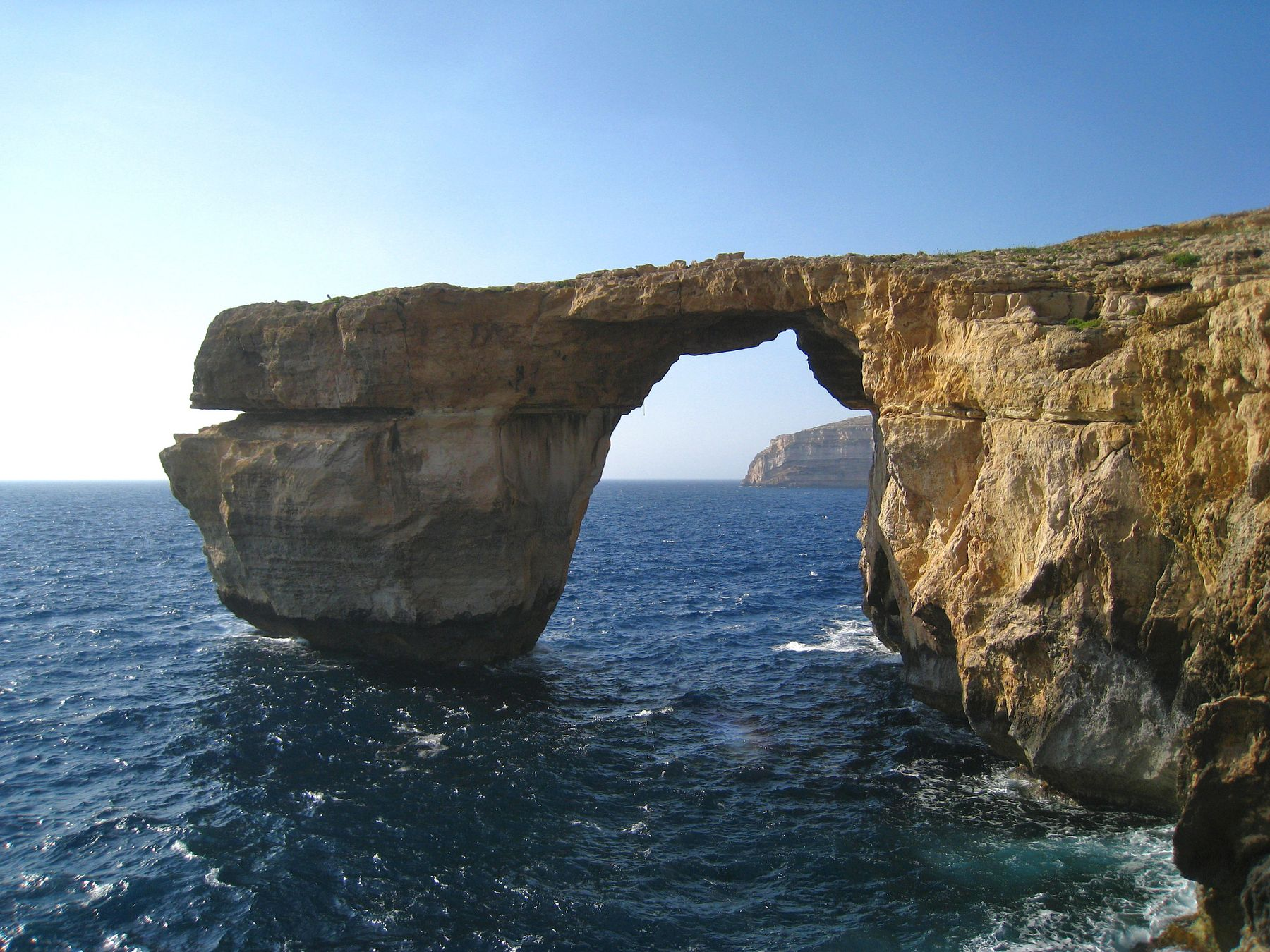 Лазурное окно. Мальта пейзаж скалы дюны песок