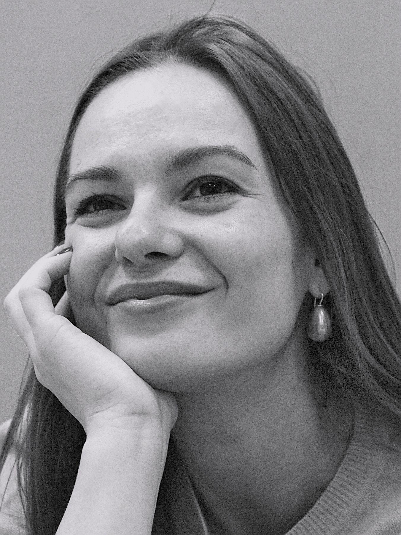14.02.21. Портрет. девушка портрет женский чёрно белая фотография