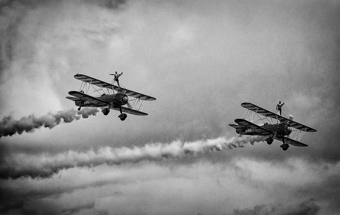 Воздушные акробаты Девушки самолёты