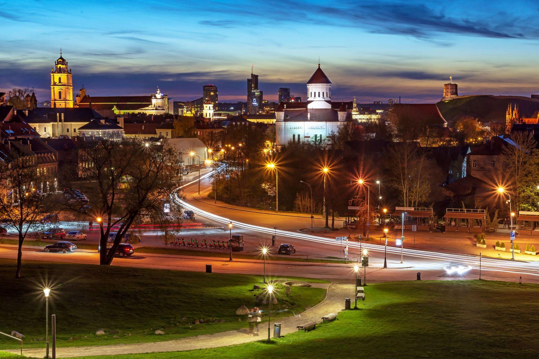 Вечером Вильнюс