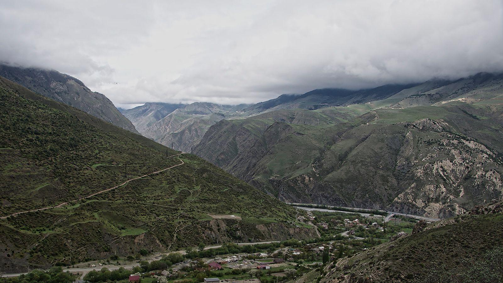 под потолком Нижний Унал река Ардон Транскавказская магистраль под потолком начало подъема