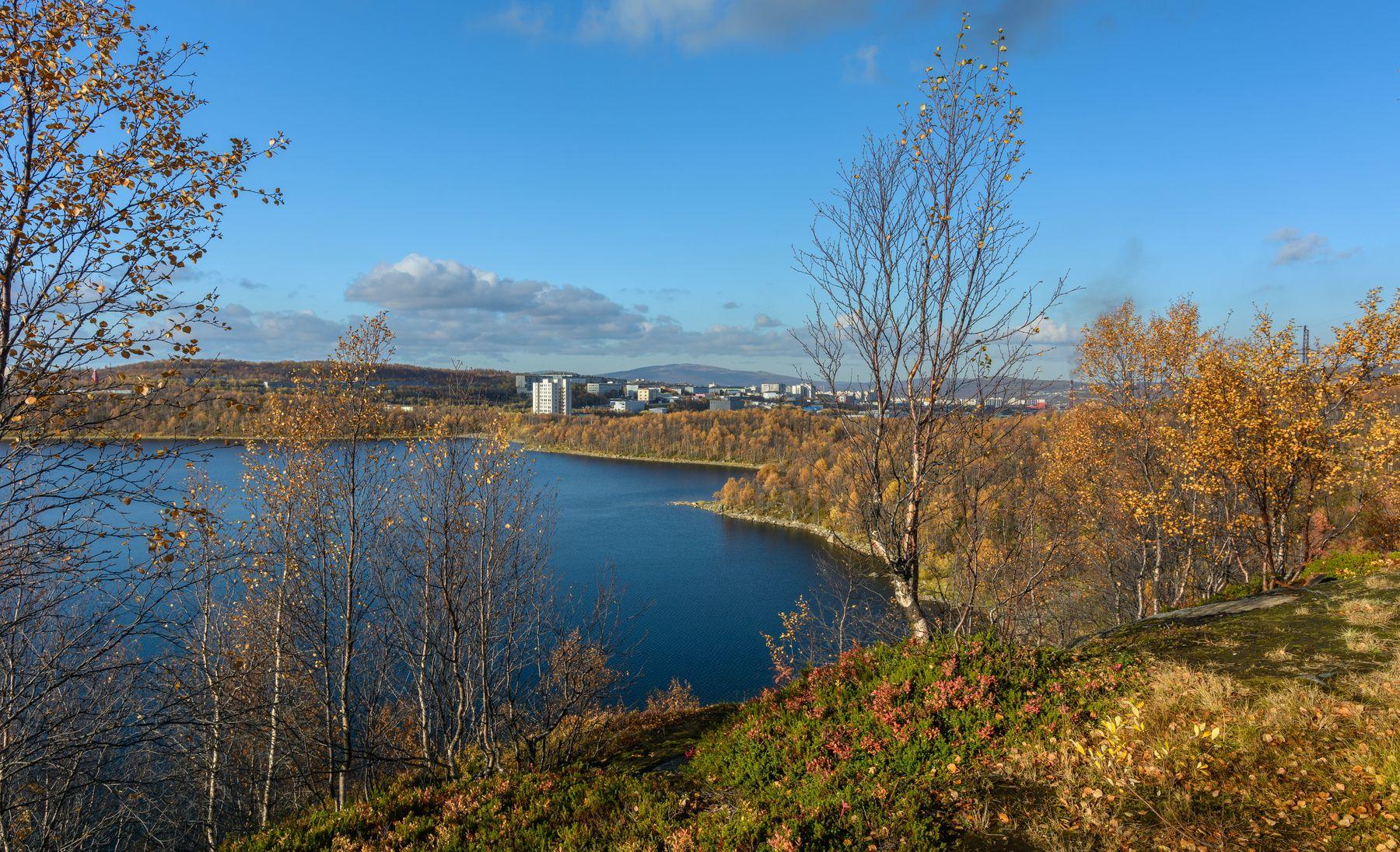 конец сентября, Мурманск осень Мурманск озеро берег