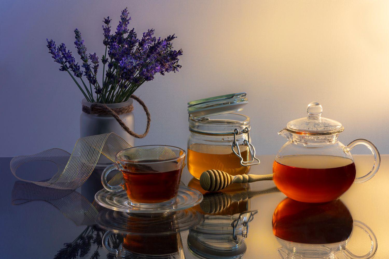 Чай с медом и лавандой